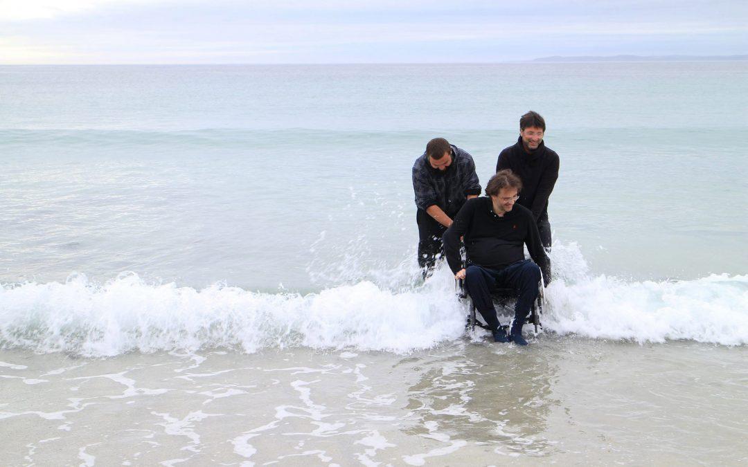 DIMANCHE 13 AOÛT :Franck marche dans l'eau de l'océan arctique !